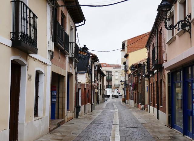 Calle Santa María, Carrión de los Condes, province de Palencia, Castille-León, Espagne.