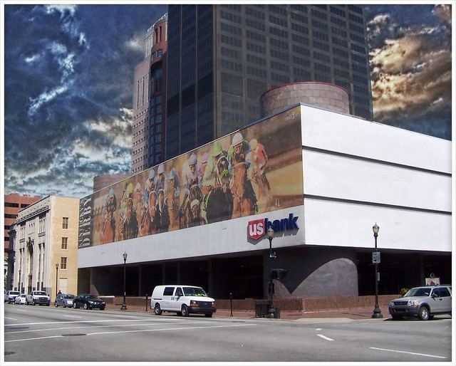Louisville Kentucky - Hometown Heros - Kentucky Derby - US Bank Building  Mural
