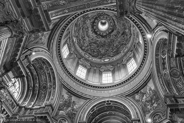 La iglesia de Santa Inés en Agonía (en italiano, Sant'Agnese in Agone)