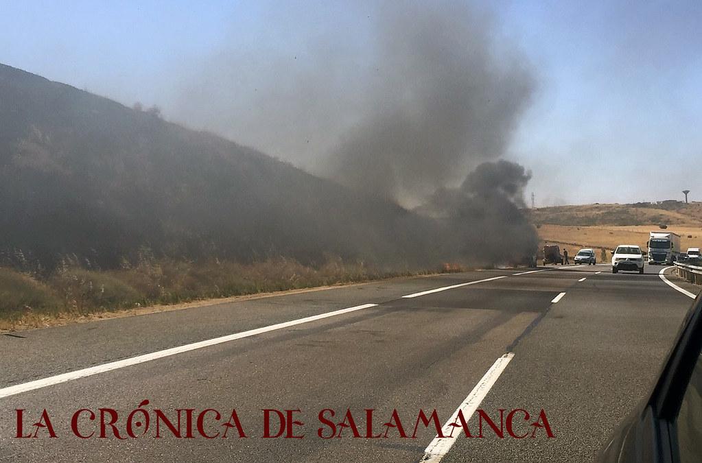 coche_incendio_salamanca (10)