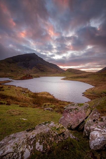 Llyn Dywarchen Sunset