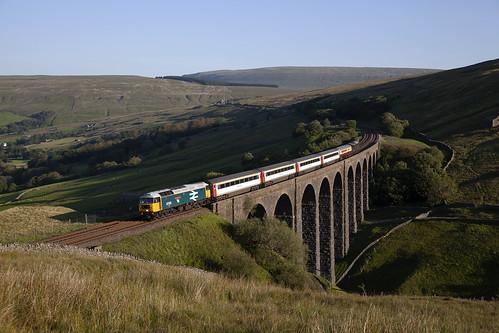 class47 artengillviaduct railcharterservices 47593 gallowayprincess