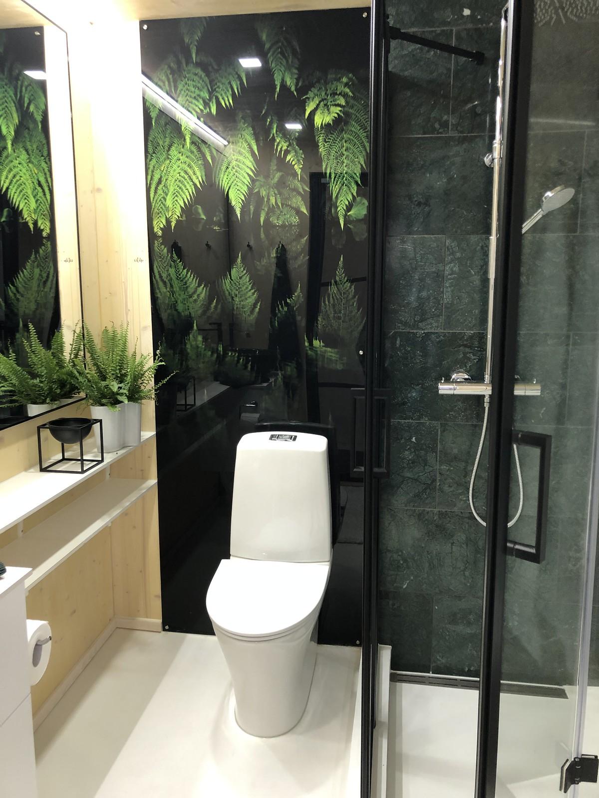 lasinen-vessan-ovi-asuntomessut