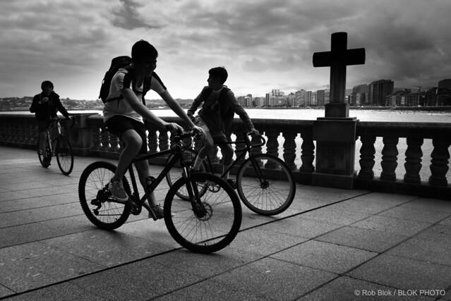 Friends on Bikes-BP82740bw
