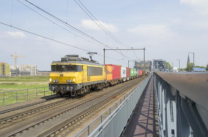 Zutphen IJsselbrug 20200801 omgeleide Coevorden-shuttle
