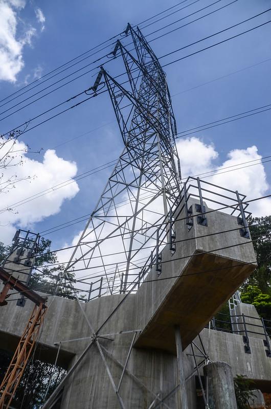 九芎坪高壓輸電塔登山口