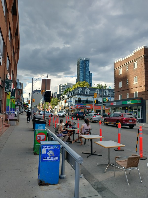 Storm clouds to the north #toronto #churchandwellesley #churchstreet #covid19toronto #cafeto #grey #storm #clouds #skyline