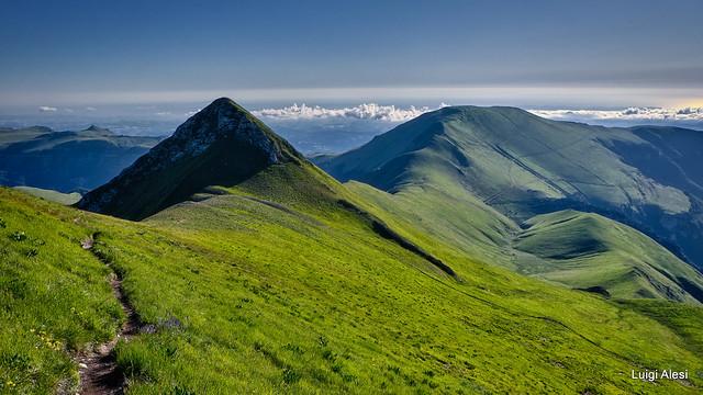 Sibillini -  Pizzo Acuto e monte Castel Manardo