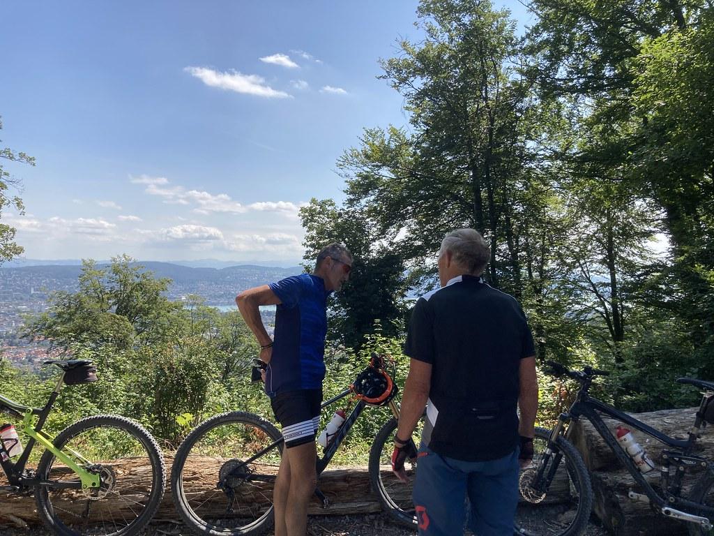Bikerinnen kennenlernen