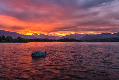 sunrise dawn daybreak clouds mountains lakedillon dillonreservoir colorado landscape summitcounty