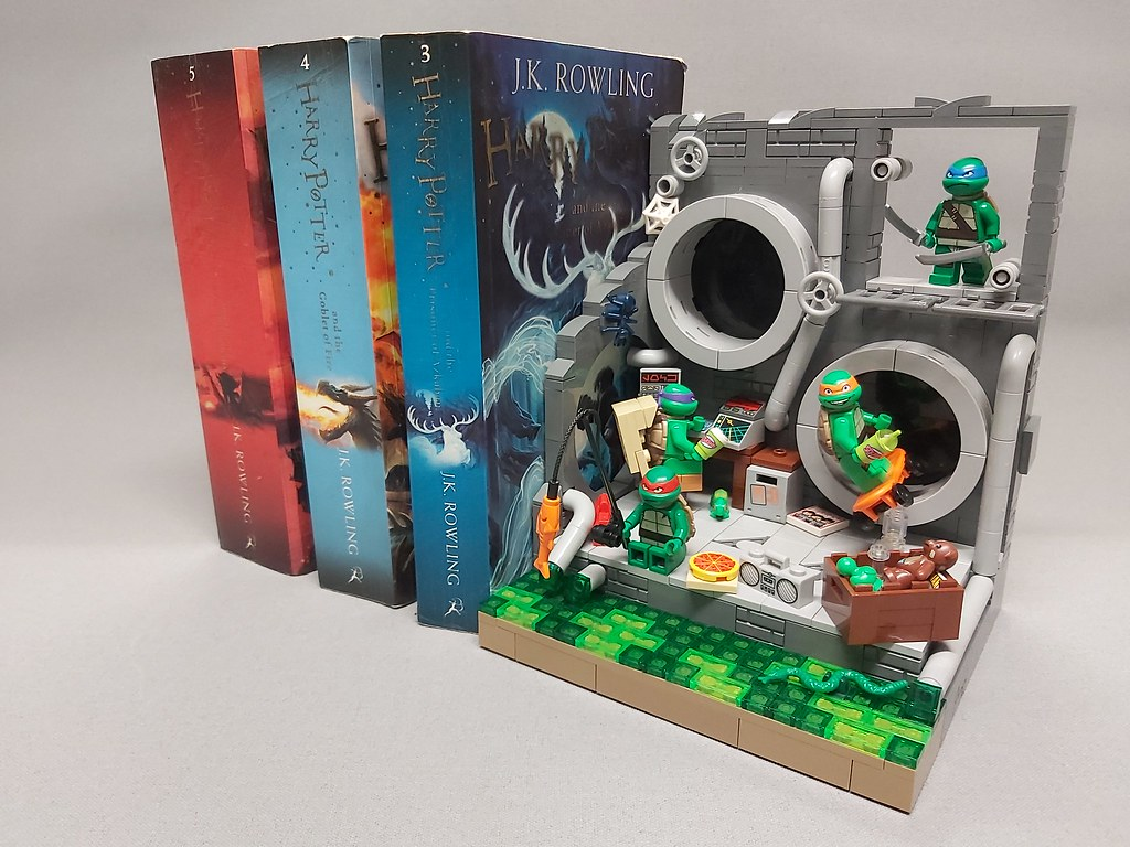 TMNT Book End / Display Stand