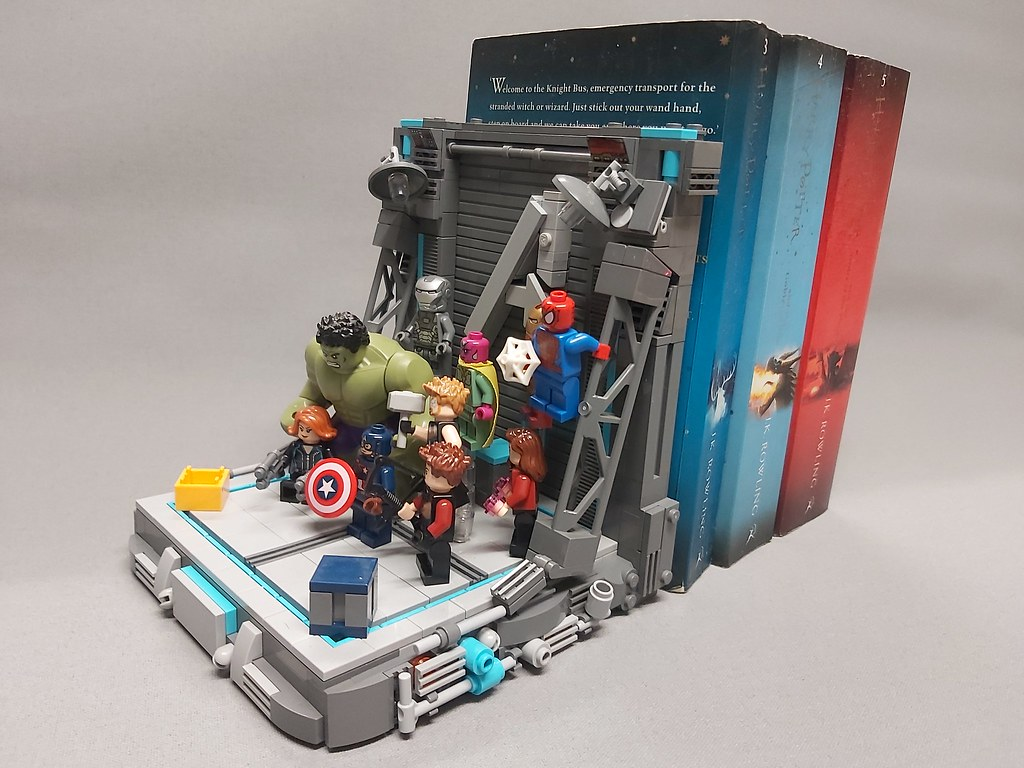 Avengers Book End/Display Stand