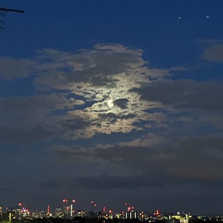 Moon over north London | by Dave Cross