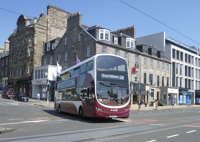 Lothian 422 joins Princes Street, Edinburgh.