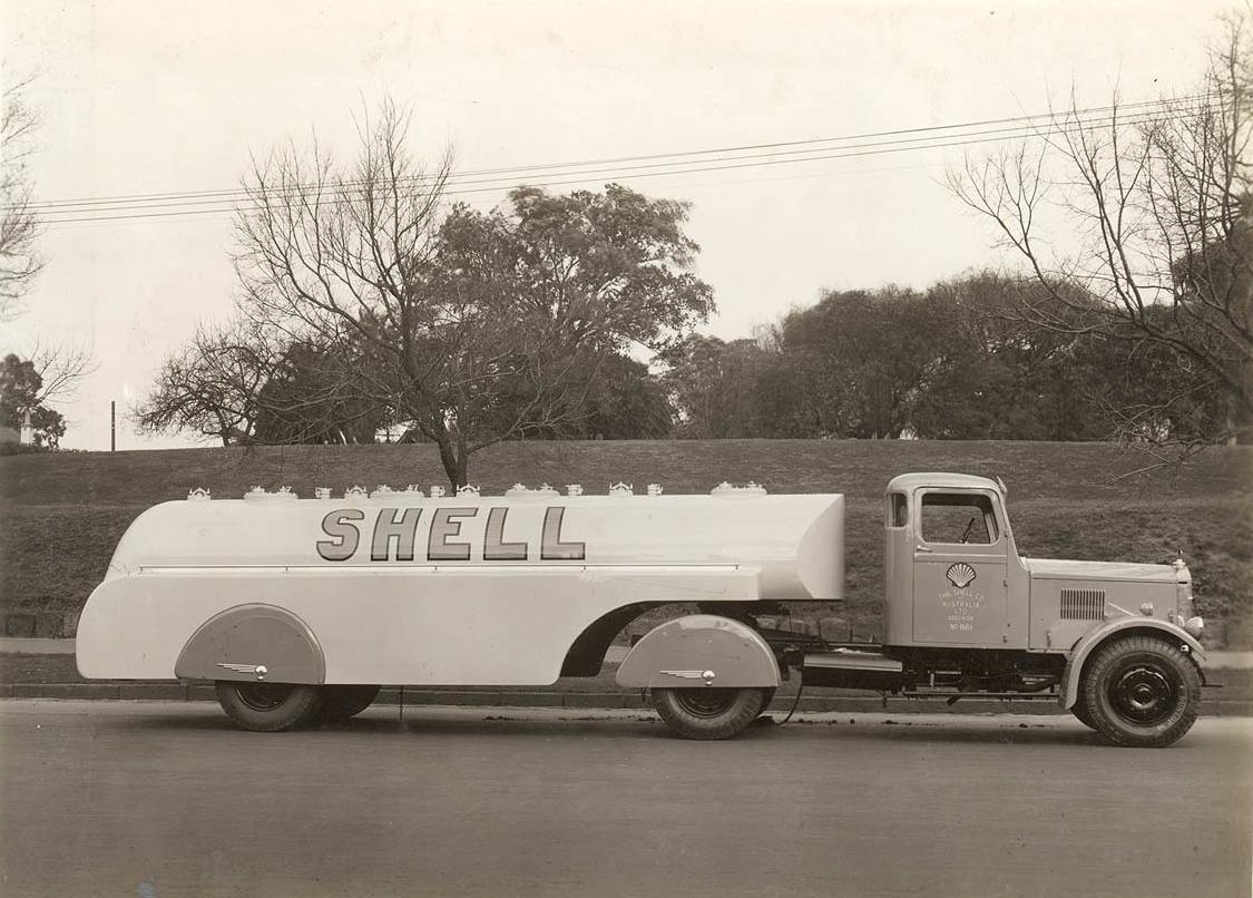 Shell streamlined petrol tanker,  ca. 1935, Milton Kent, gelatin silver print