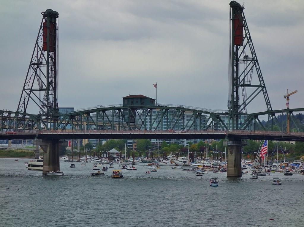 Hawthorne Bridge - Portland