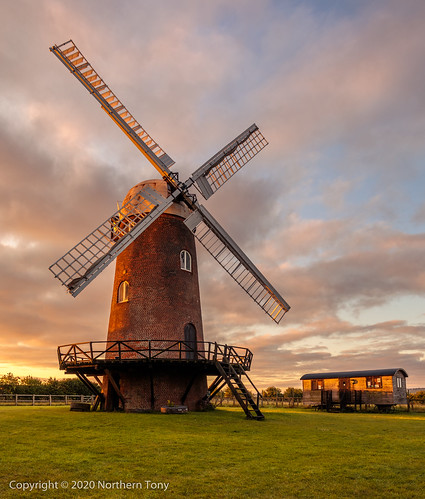 wind windmill mill farm power landscape turbine nature environment sky green generator environmental clean agriculture industry industrial ecology eco field vintage traditional old sustainable propeller rural sustainability canon canon5dmarkiv canon1740mml leefilters lightroom6 lseries architecture early earlymorning england filter grass hdr uk morning outdoors pictuesque sunrise tourism landmark heritage new