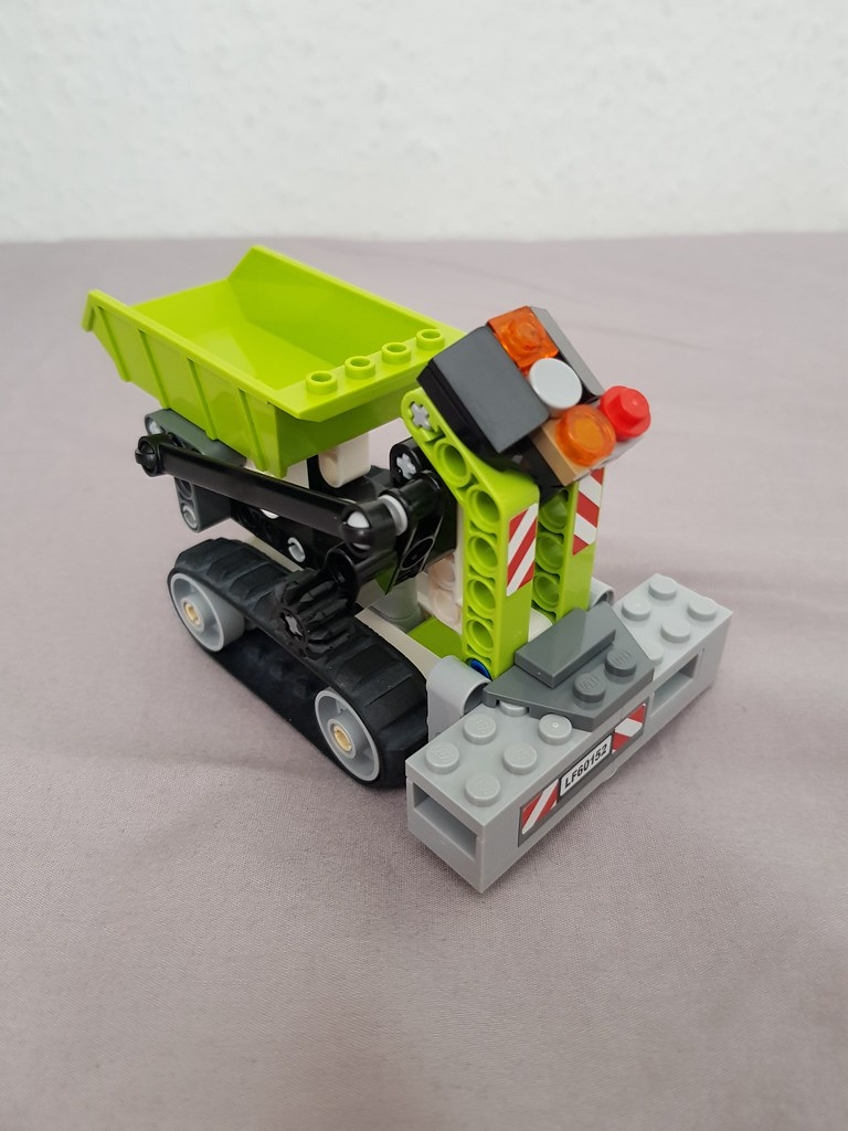 Technic tracked dumper 3