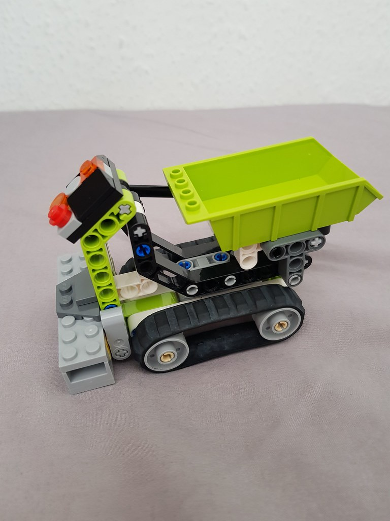 Technic tracked dumper 5