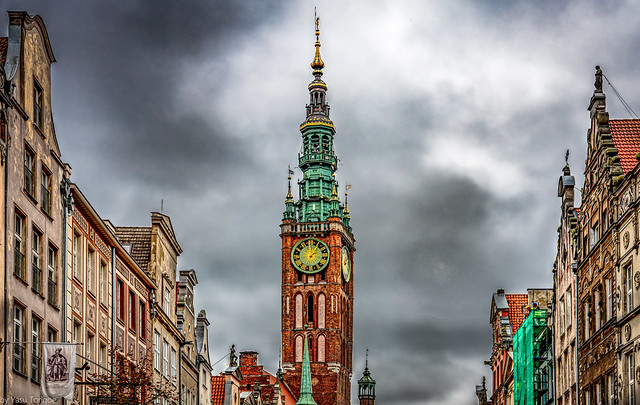 Details of the Gdańsk Main Town Hall on the Royal Route, Poland.   615-Edita