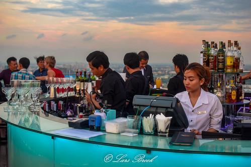 theoctave rooftop beautiful beauty marriott nikon view bangkok happyhour octave cityview sukhumvit skybar rooftopbar cityphotography panoramaphotography nikond5300 bangkokrooftopbarbangkok larsbrockphoto donzilasse