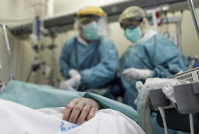 UCI-Hospital-Infanta-Sofia_1378072203_15278483_4000x2705