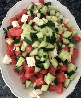Salade de pastèque, féta et brochettes de crevettes au bacon3