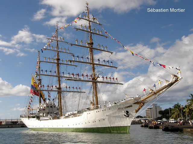 ARC GLORIA 65M 1967 TRAINING  SHIP AND OFFICIAL FLAGSHIP OF THE COLOMBIAN NAVY 30 09 2009 PAPEETE