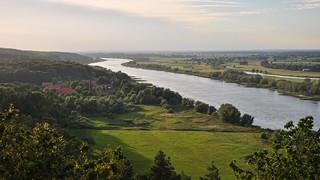 Schöner Ausblick auf die Elbe am Abend, vom Kniepenberg bei Hitzacker