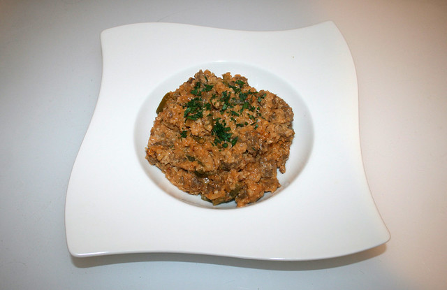 36 - Creamy cauliflower rice with ground beef - Served / Cremiger Blumenkohlreis mit Rinderhack - Serviert