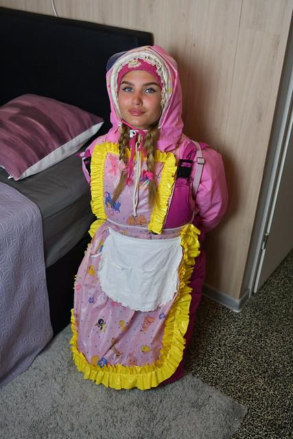 das deutsche Dhimmi Dienstmädchen Bliazulma des Kerem Clans in Berlin Neuköln