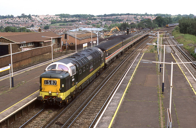 D9000 sweeps through St Mary Cray on 1S87 Ramsgate - Edinburgh