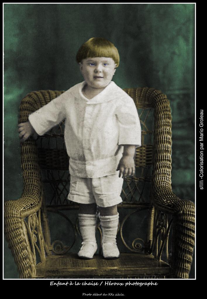 Enfant à la chaise / Héroux photographe