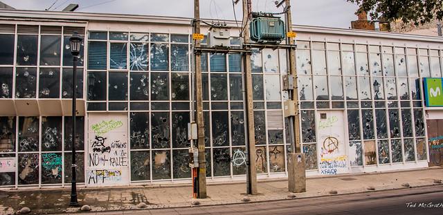2020 - Chile - Punta Arenas - Vandalized Moviestar Building