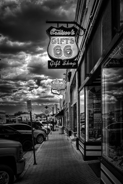 02469376423120296-127-20-08-Willims Arizona-18-Black and White