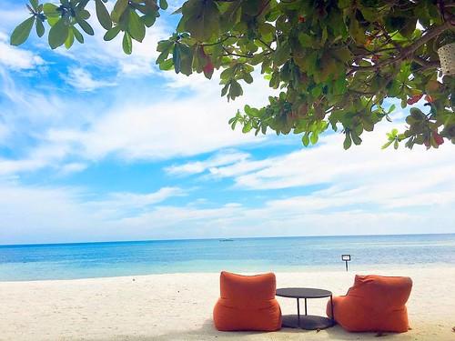 South Palms Bohol Souk Seat