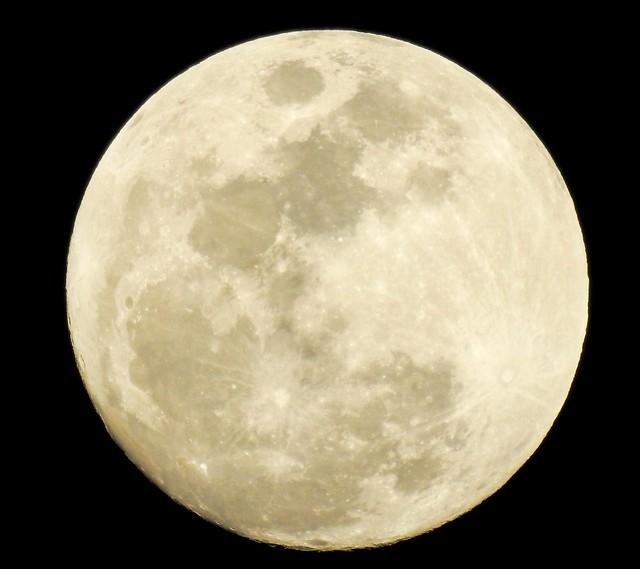 Moon next nigth
