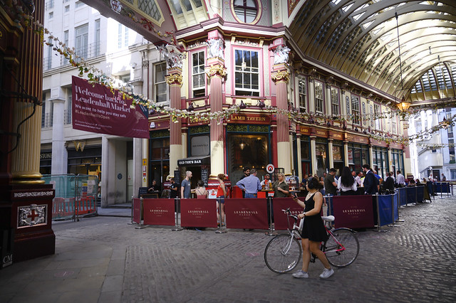 DSC_3043 Leadenhall Market City of London Gracechurch Street The Lamb Young's English Pub
