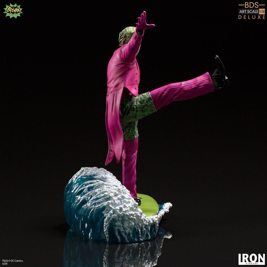 看看這單腳站立的華麗衝浪~ Iron Studios Battle Diorama 系列《蝙蝠俠(1966 年經典電視劇版本)》小丑 豪華版(The Joker Deluxe)1/10 比例全身雕像