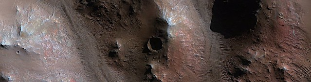 Mars - Cubism in the Western Rim of Holden Crater