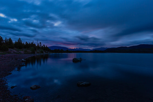 sunrise dawn daybreak clouds mountains lakedillon dillonreservoir colorado landscape summitcounty bluehour