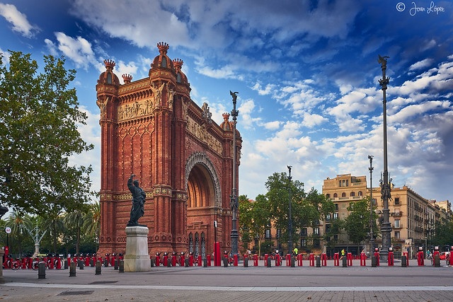 Triumphal Arch / Arc de Triomf / Arco de Triunfo