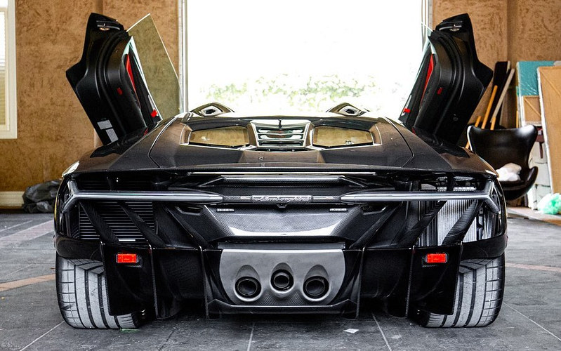 Lamborghini-Centenario-Roadster-10