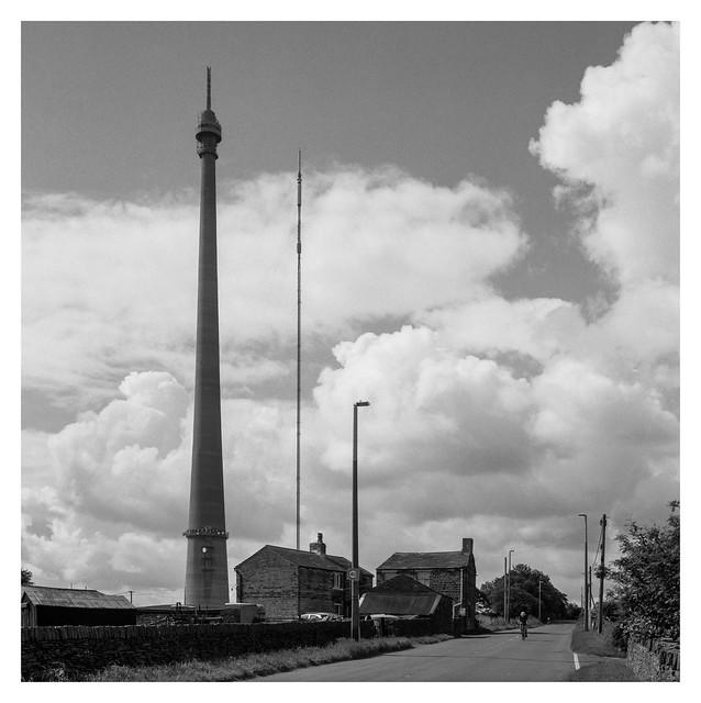 Emley Moor transmitter-3