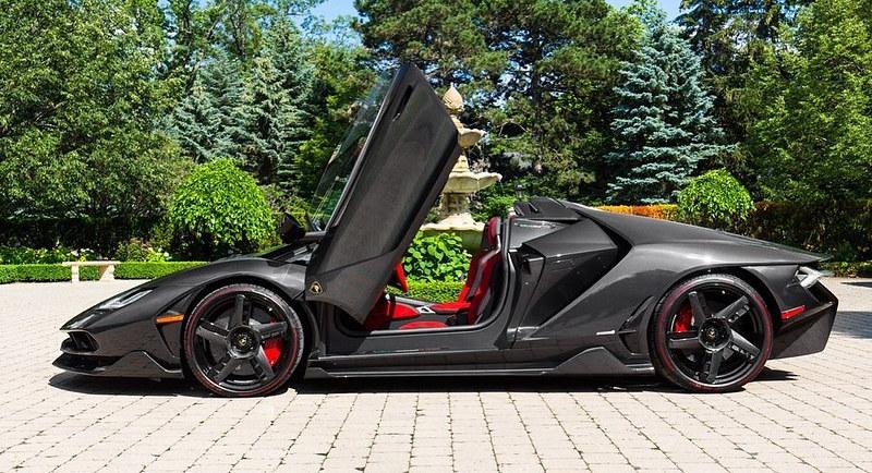 Lamborghini-Centenario-Roadster-9
