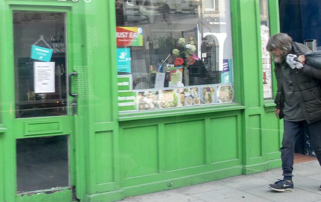 DSC_5310a London Bus #243 Clerkenwell Street Guy with Long Hair and Beard