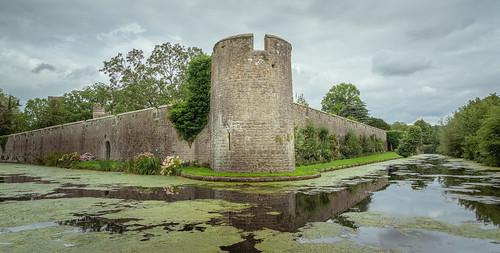 wells palace castle history moat landscape england uk