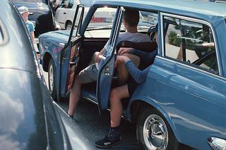 0201_Two_Boyst_Old_Car_TokinaATX60-120-F2.8