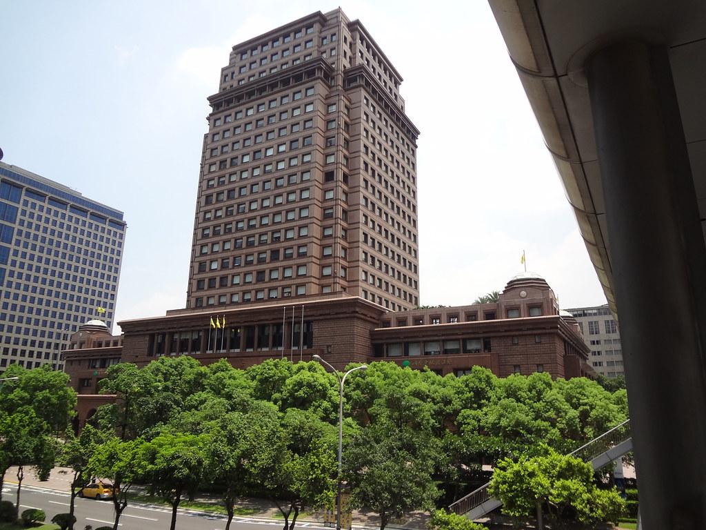 國泰世華銀行總部。圖片來源:Solomon203/維基百科