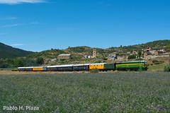 Tren Azul en Latrás